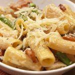 Paccheri con panna, asparagi e pancetta