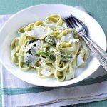 Tagliatelle con asparagi e panna