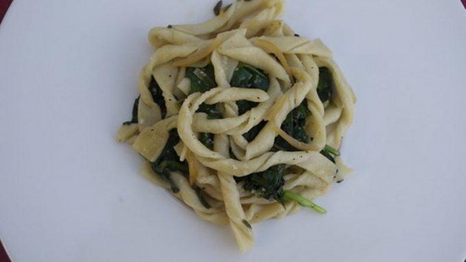 strozzapreti con spinaci e panna